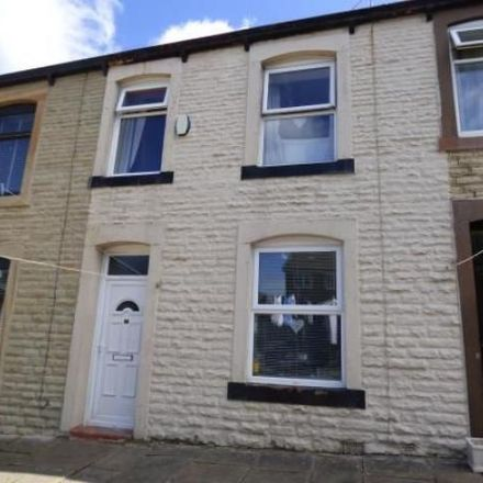 Rent this 3 bed house on Lowerhouse Cricket Club in Holyoake Street, Padiham