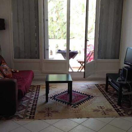 Rent this 1 bed room on 3bis Rue d'Estienne d'Orves in 92140 Clamart, France