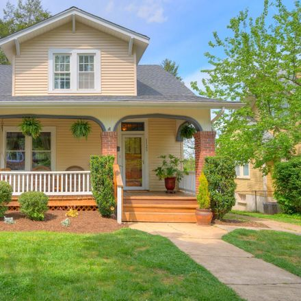Rent this 3 bed house on 1125 Winona Avenue Southwest in Roanoke, VA 24015