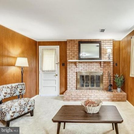 Rent this 5 bed house on 6404 Charnwood Street in Westview Hills, West Springfield