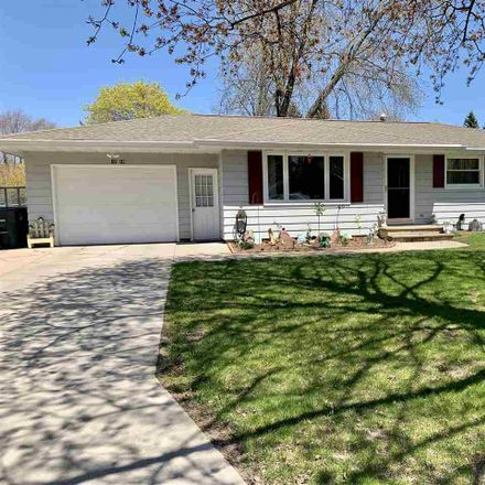 Rent this 3 bed house on 1216 April Lane in Ashwaubenon, WI 54304