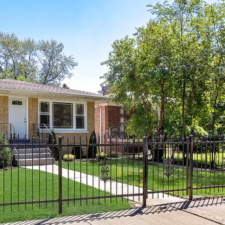 Rent this 5 bed house on 10521 South Cottage Grove Avenue in Chicago, IL 60628
