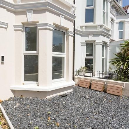 Rent this 2 bed apartment on Hove Methodist Church in Portland Road, Hove BN3 5DR