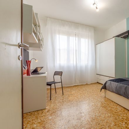 Rent this 4 bed room on Via Ugo Foscolo in 2a, 56127 Pisa PI