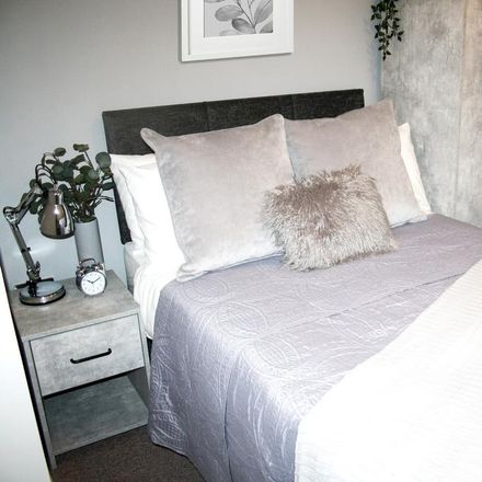 Rent this 5 bed room on Earlesmere Avenue in Doncaster DN4 0QG, United Kingdom
