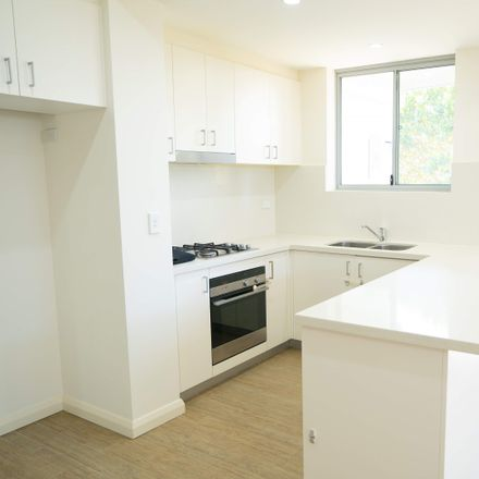 Rent this 2 bed apartment on 16/8-10 Smith Street