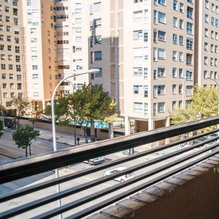 Rent this 3 bed apartment on Carrer del Poeta Josep Cervera i Grifol in 46013 Valencia, Spain