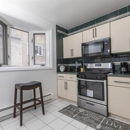 Rent this 4 bed house on John F. Kennedy Boulevard East in North Bergen, NJ 07022:07047