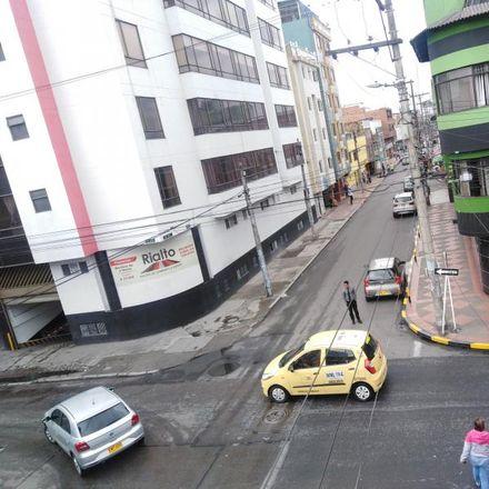 Rent this 8 bed apartment on Rialto in Carrera 52C, Localidad Tunjuelito