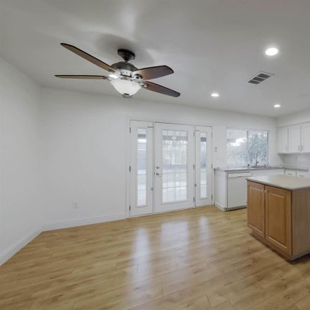 Rent this 3 bed house on 3812 Curry Court in Bakersfield, CA 93309