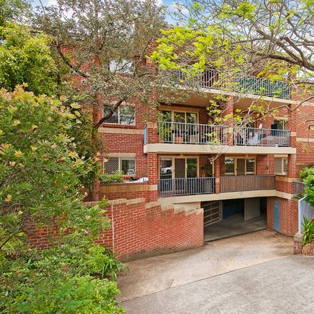 Rent this 3 bed apartment on 12/8-10 Bellbrook Avenue