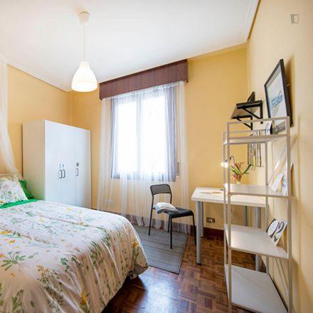 Rent this 3 bed room on Calle Calixto Díez / Calixto Diez kalea in 5, 48012 Bilbao