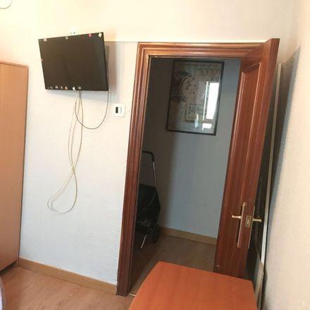 Rent this 3 bed room on Carrer de Sant Joan de la Penya in 46019 València, Valencia