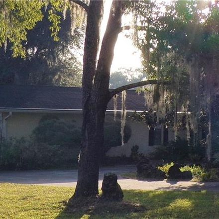 Rent this 3 bed house on Floral City in FL, US
