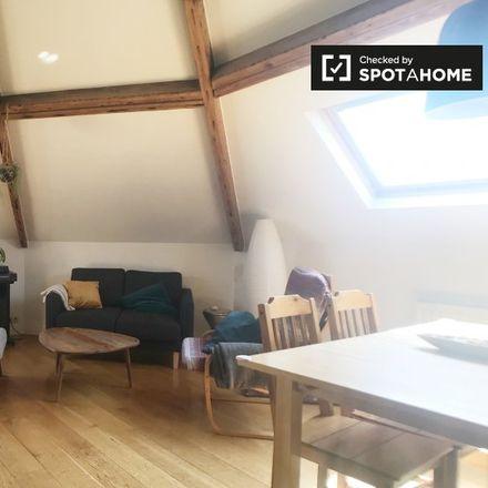 Rent this 3 bed apartment on Rue de Roumanie - Roemeniëstraat 49 in 1060 Saint-Gilles - Sint-Gillis, Belgium