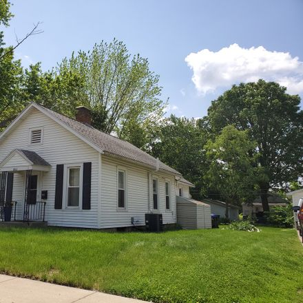 Rent this 2 bed house on 1011 East Washington Street in Bloomington, IL 61701