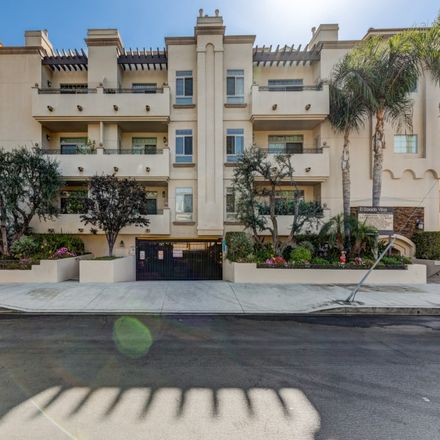 Rent this 3 bed apartment on 4438 Stern Avenue in Los Angeles, CA 91423