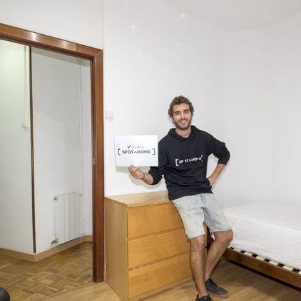 Rent this 3 bed apartment on Carrer de Felip II in 36-44, 08027 Barcelona
