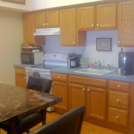 Rent this 7 bed house on Castleton Post Office in Main Street South, Castleton-on-Hudson