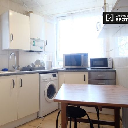 Rent this 3 bed apartment on Samuel Street in London SE18 5EU, United Kingdom