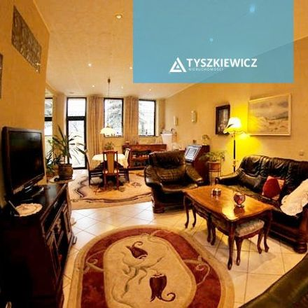 Rent this 5 bed house on Hodowlana 27 in 81-605 Gdynia, Poland