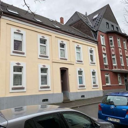 Rent this 3 bed duplex on Schwarzbachstraße 13 in 40878 Ratingen, Germany