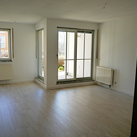 Rent this 1 bed townhouse on Steinbachstraße 18a in 08412 Werdau, Germany
