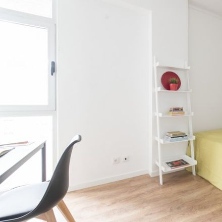 Rent this 3 bed apartment on Centro Comercial de Alvalade in Avenida da Igreja, 1700-036 Lisbon