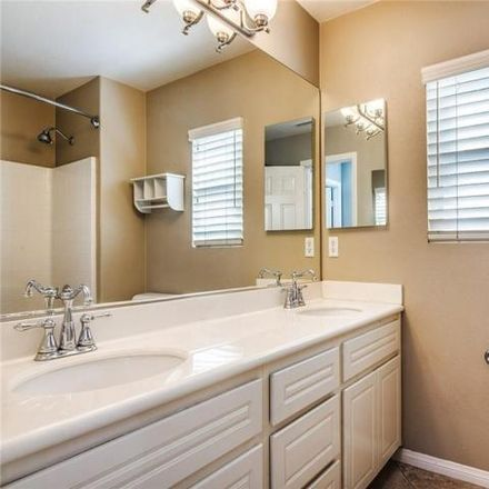 Rent this 3 bed house on 2963 Hathaway Court in Signal Hill, CA 90755