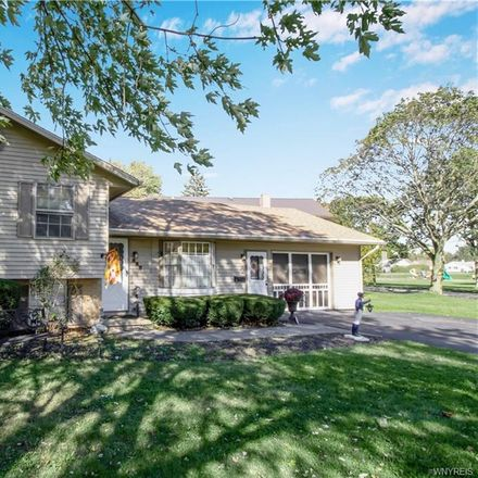 Rent this 3 bed house on 447 South Jackson Street in Batavia, NY 14020