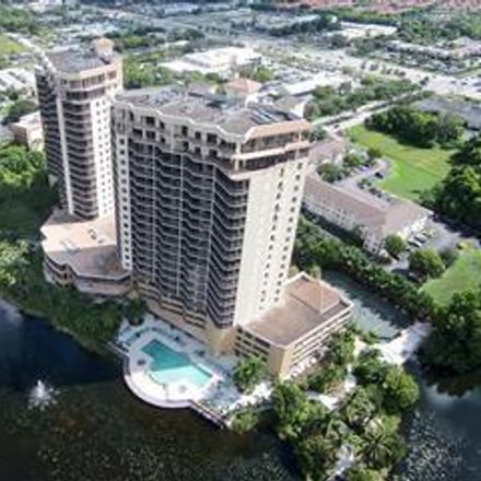 Rent this 3 bed condo on 14300 Riva Del Lago Dr in Lee County, FL 33907