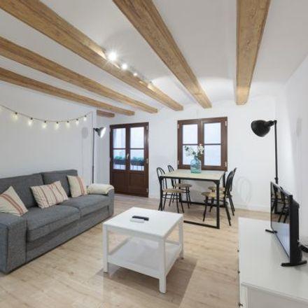 Rent this 4 bed apartment on Franciscanos Menores in Calle de Joaquín Costa, 28001 Madrid