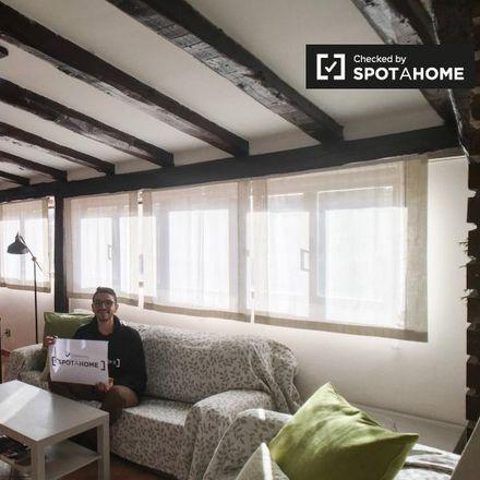 Rent this 1 bed apartment on Basílica de Jesús de Medinaceli in Plaza de Jesús, 2