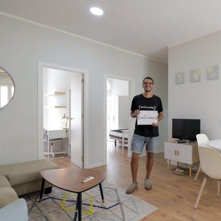 Rent this 3 bed apartment on Garaje Público in Calle de Fernández de los Ríos, 78