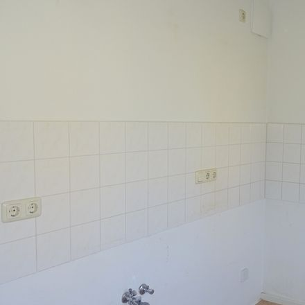 Rent this 2 bed apartment on Parkgasse 16 in 08451 Crimmitschau, Germany