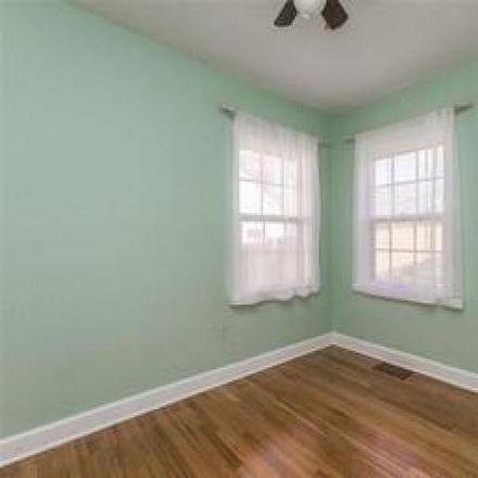 Rent this 3 bed house on 2154 F Avenue Northeast in Cedar Rapids, IA 52402