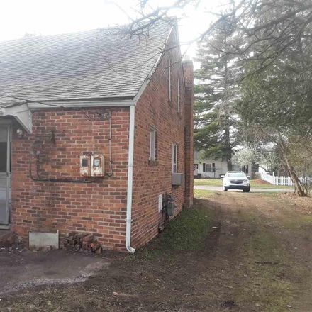 Rent this 3 bed apartment on Taylor St in New Baltimore, MI
