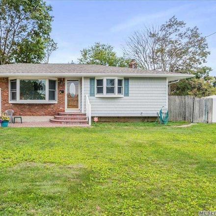Rent this 3 bed house on 15 Digney Court in Commack, NY 11725