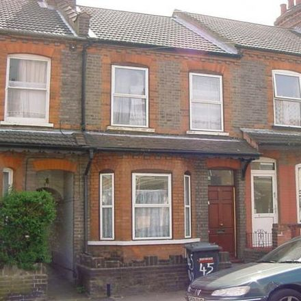 Rent this 3 bed house on Ivy Road in Luton LU1 1DL, United Kingdom