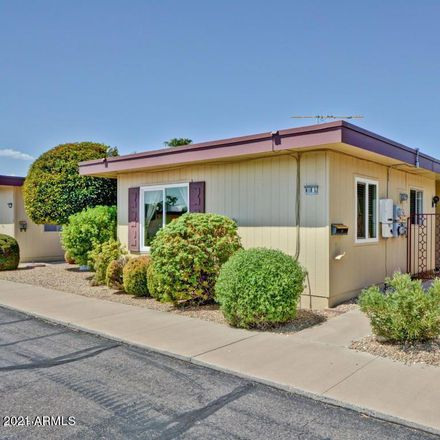 Rent this 2 bed townhouse on 13618 North 98th Avenue in Sun City, AZ 85351