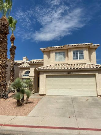 Rent this 3 bed loft on 12824 South 45th Street in Phoenix, AZ 85044