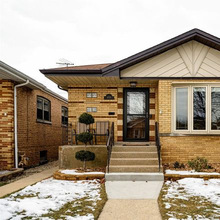 Rent this 3 bed house on 6719 West 64th Street in Chicago, IL 60638