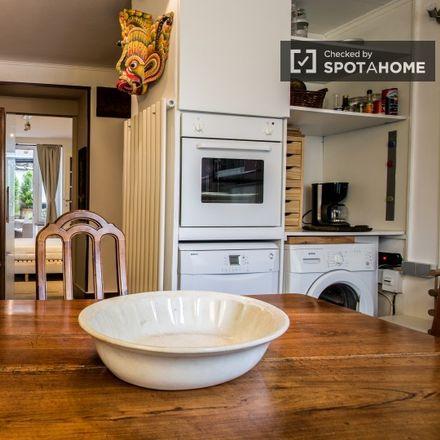 Rent this 1 bed apartment on Rue Antoine Gautier - Antoine Gautierstraat 111 in 1040 Etterbeek, Belgium