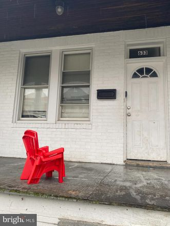Rent this 3 bed townhouse on 633 Dumbarton Avenue in Baltimore, MD 21218