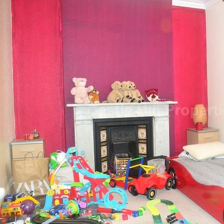 Rent this 2 bed apartment on Stretton Lodge in Gordon Road, London W13 8PL