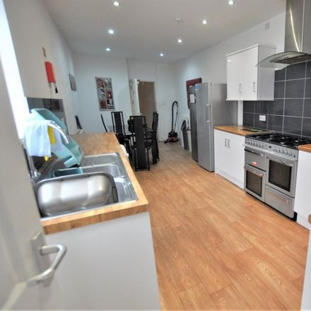 Rent this 6 bed house on St. Albans Road in Swansea SA2 0BZ, United Kingdom