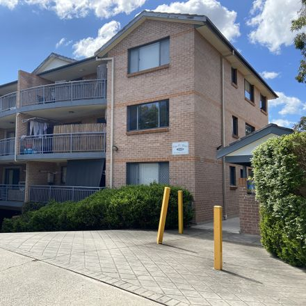 Rent this 2 bed apartment on 16/109 Meredith Street