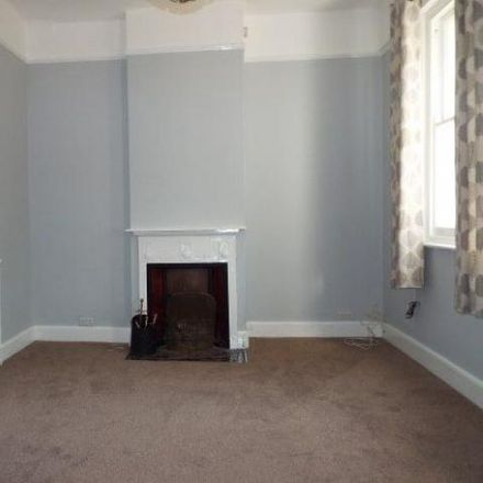 Rent this 3 bed house on Tesco Express in Bishopstoke Road, Eastleigh SO50 6LB