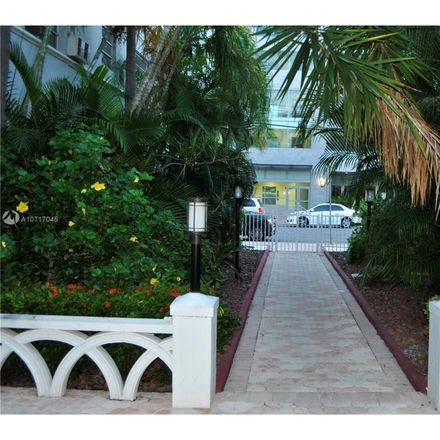 Rent this 1 bed condo on 30th St in Miami, FL