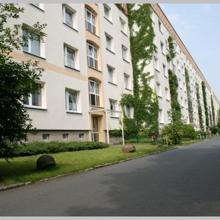 Rent this 4 bed apartment on Karl-Marx-Straße 23 in 01612 Nünchritz, Germany
